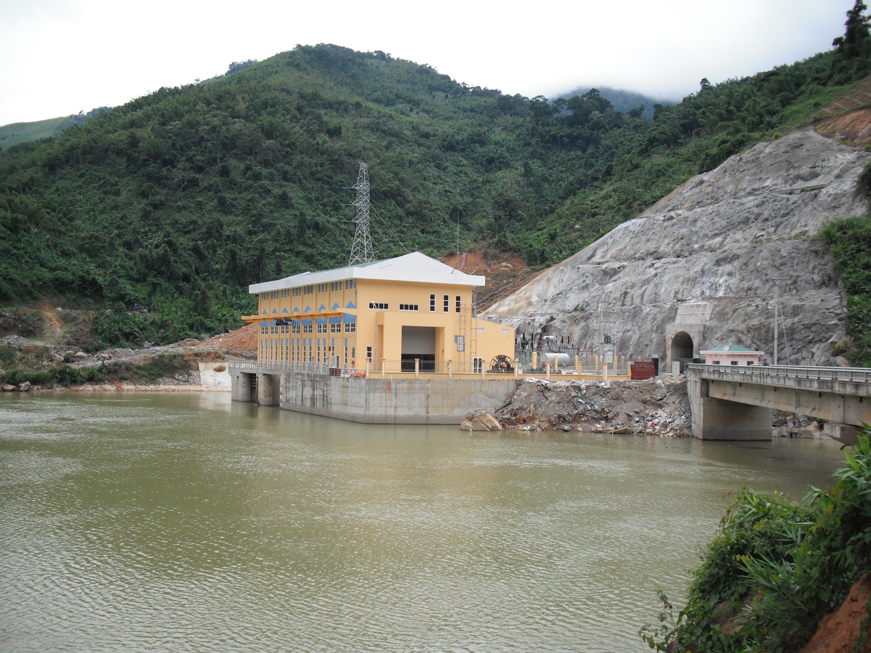 Thi công Hoàn thiện các nhà máy thủy điện